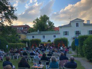 Stadtteilwoche Allach-Menzing-Pasing: Regina Eisner & Friends @ Open Air im Park des Ebenböckhauses